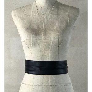 NWOT Express Faux Black Leather Wrap/Tie Belt Sz M